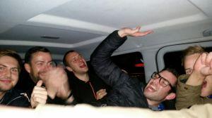Stemningen var høj i taxien.